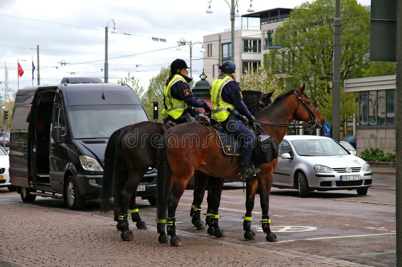 Horseback milicyjny patrol zdjęcia royalty free
