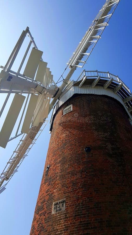 Horsey Windpump jest windpump lub drenażu wiatraczkiem w wiosce Horsey, Norfolk zdjęcia royalty free