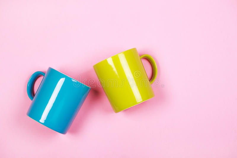 Hortaliças e xícaras de café azuis fotos de stock