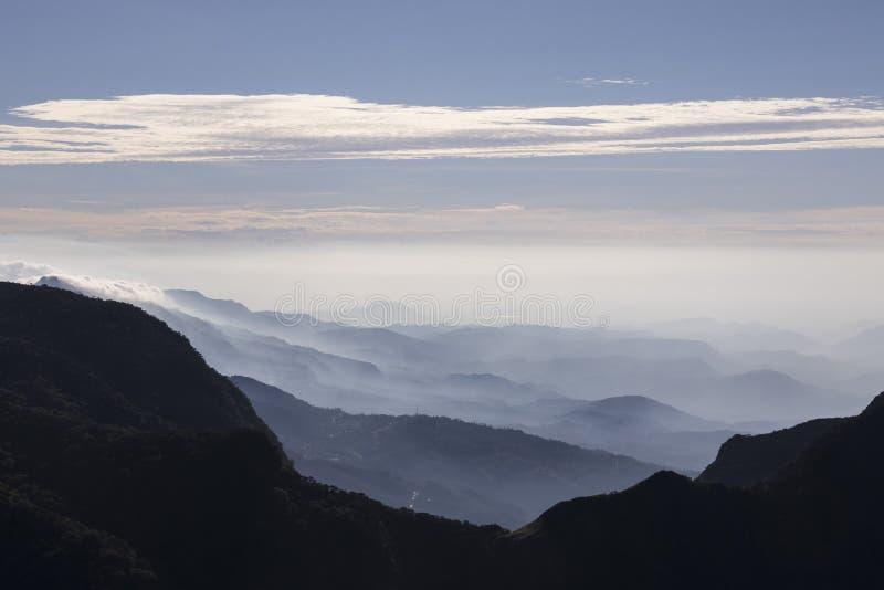 Horton Plains National Park Sri Lanka: Slut för världs` s arkivbilder