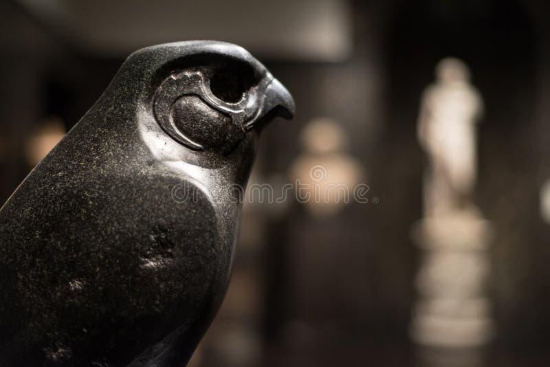 Horus como Hawk Statue imagens de stock