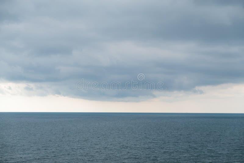 horyzont latarni kilka minut nieba burzy denny widok zdjęcia royalty free