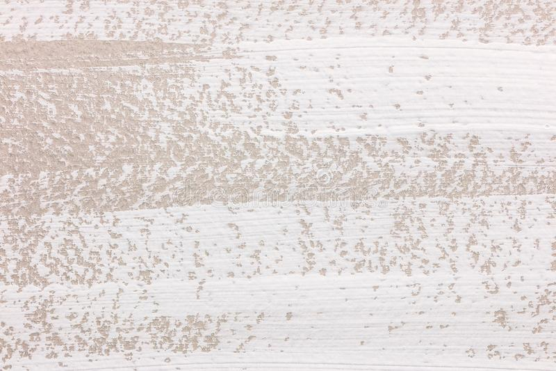 Horyzontalna biała farby muśnięcia uderzeń tekstura na szarość tapetuje tło fotografia stock