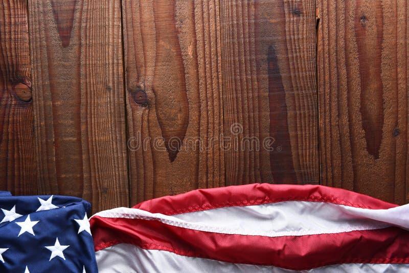 Horyzontalna flaga amerykańska na drewnie obrazy stock