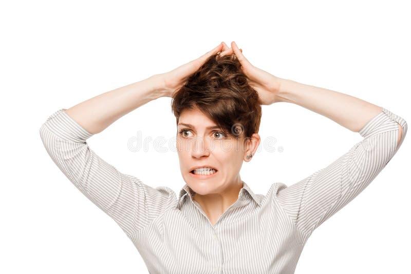 Horyzontalny portret emocjonalna szalona kobieta na bielu zdjęcie stock