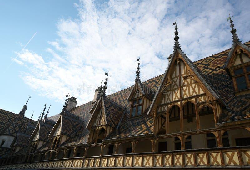 Hospices de Beaune ou hotel-Dieu em Beaune, França imagens de stock