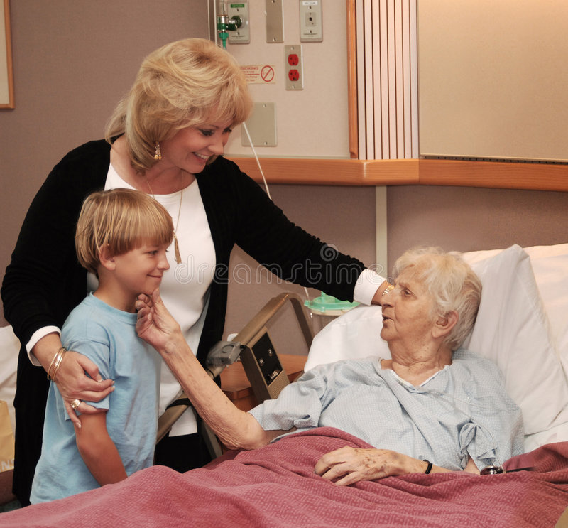 Hospicio que visita de la familia fotografía de archivo