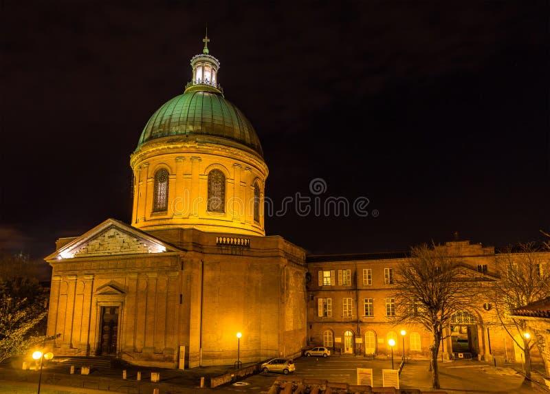 Hospital de La Grave en Toulouse por noche foto de archivo