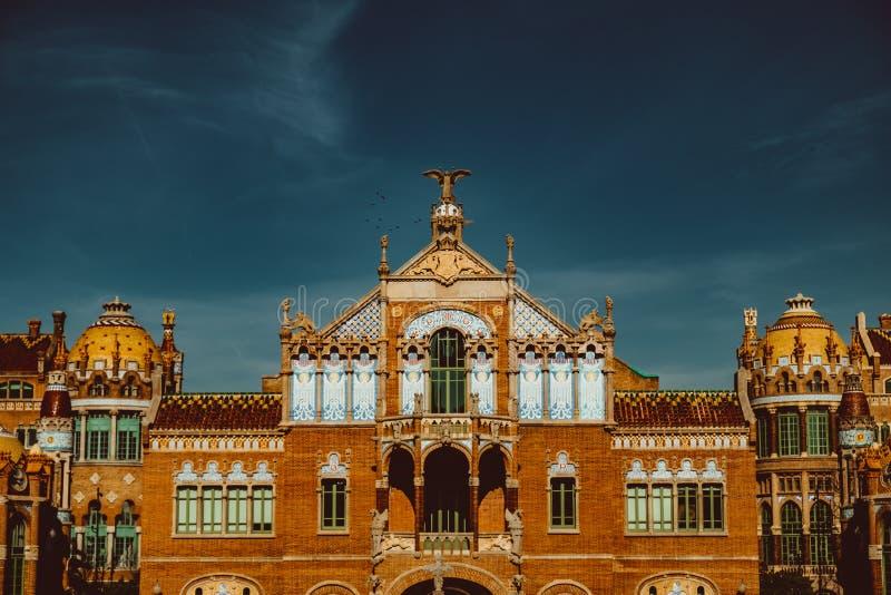 Hospital de la Santa Creu i Sant Pau - construction moderniste par l'architecte c?l?bre Lluis Domenech i Montaner images libres de droits