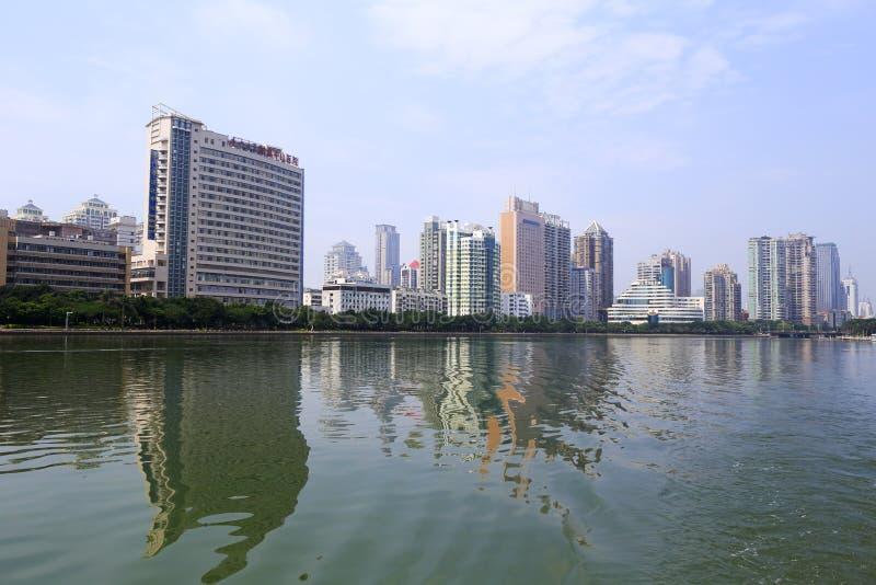 Hospital de Zhongshan cerca del lago del yundang foto de archivo libre de regalías