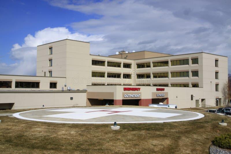 Hospital y helipuerto fotos de archivo
