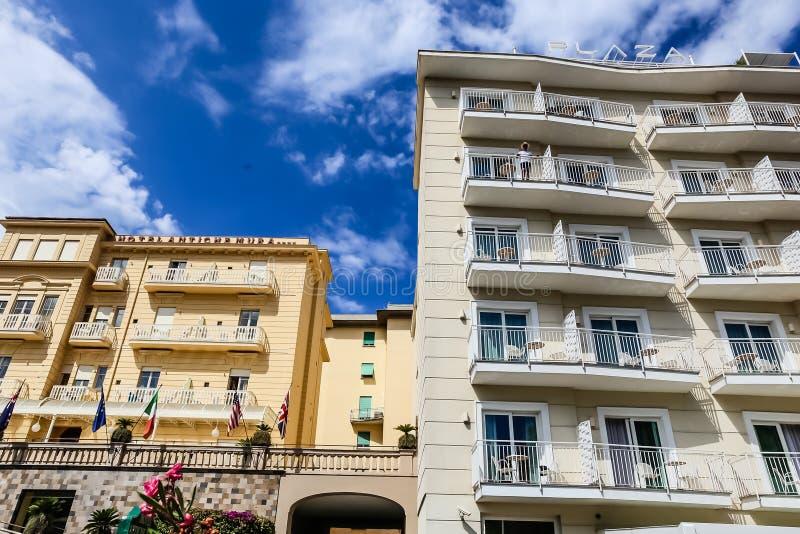 Hotéis Antiche Mura e plaza, Sorrento, Nápoles, Itália fotografia de stock royalty free