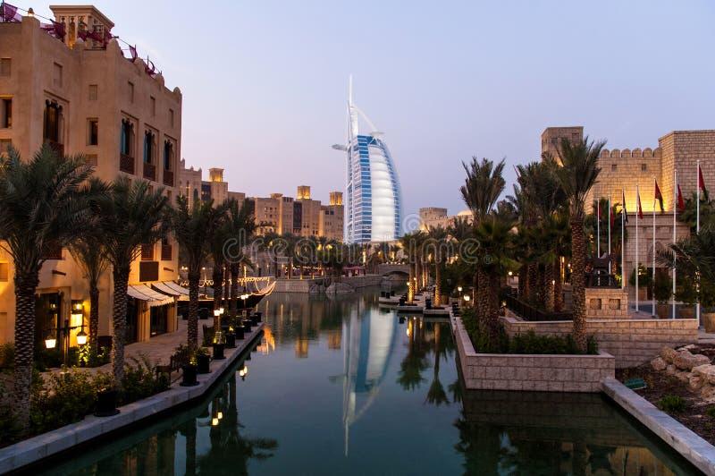 Hotéis de luxo em Dubai fotografia de stock
