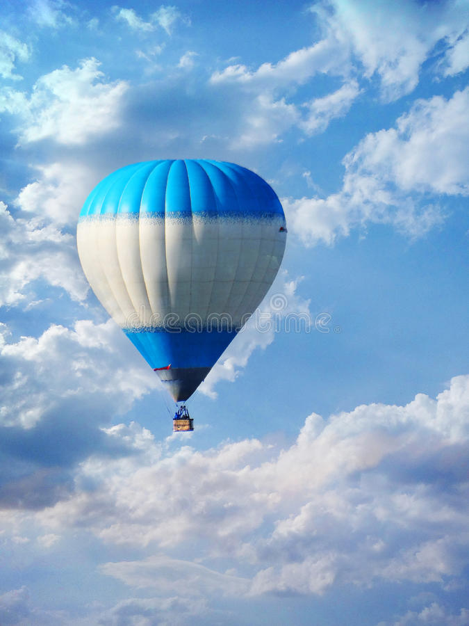 Free Hot Air Balloon High In The Sky Royalty Free Stock Photography - 45265327