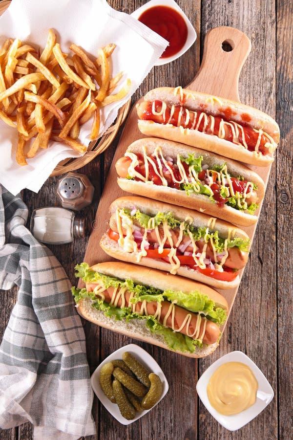 Hot dog na pokładzie obrazy stock