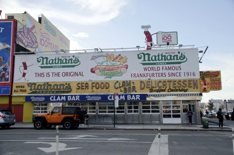 Hot dogs du ` s de Nathan photos libres de droits