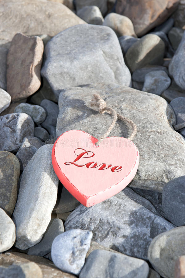 Free Hot Love On The Rocks Stock Photography - 39333912