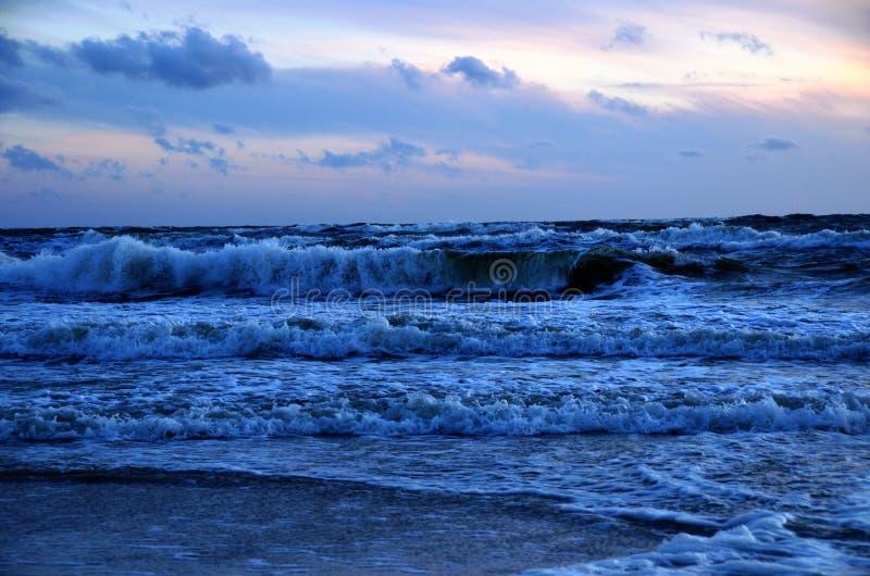Hota havet royaltyfria bilder