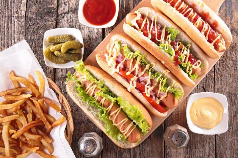 Hotdog aan boord stock fotografie
