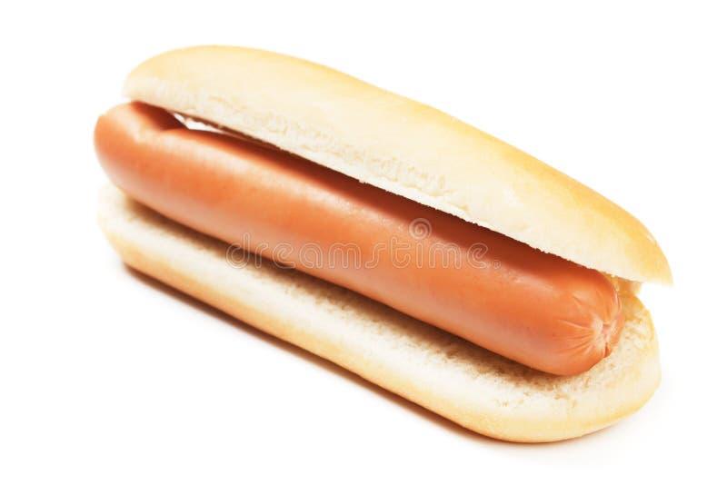 Hotdog op wit stock afbeeldingen