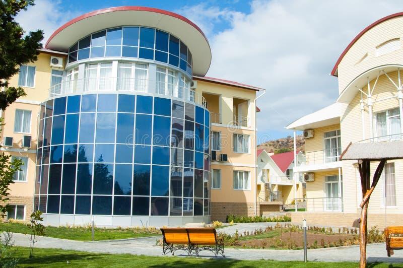 Hotel immagine stock immagine di estate pino for Piccoli piani di costruzione dell hotel