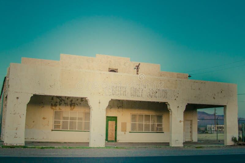Hotel abandonado en el parque nacional de Death Valley, California fotos de archivo