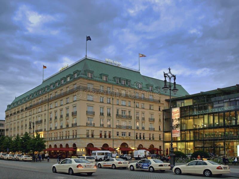 Hotel Adlon em Berlim, Alemanha imagens de stock