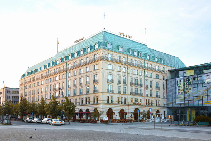 Hotel Adlon Kempinsky em Berlim fotografia de stock