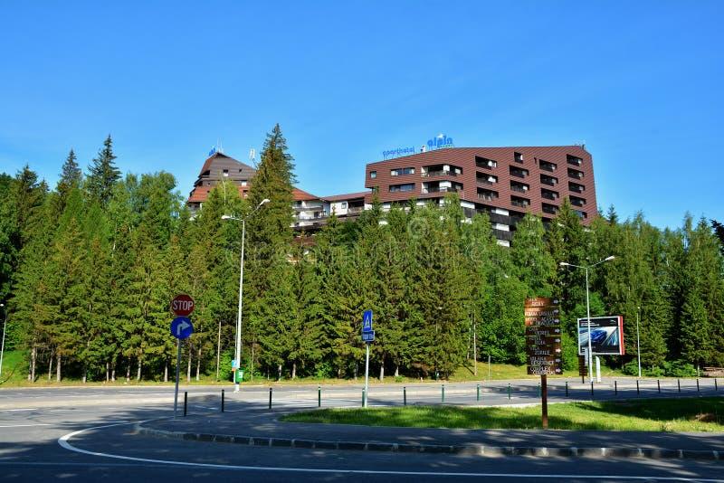 Hotel Alpin en Poiana Brasov en Rumania imagen de archivo