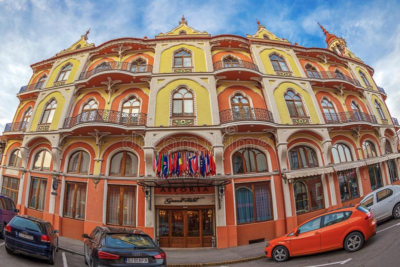 Hotel Astoria - palacio anterior de Sztarill - situado en Ferdinand Sq imagen de archivo