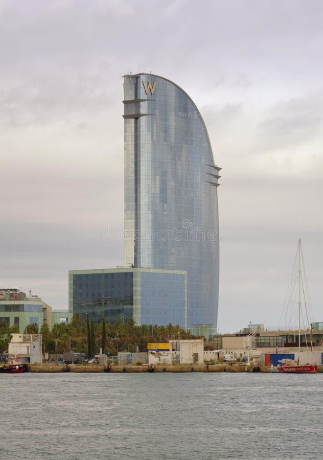 Hotel Barcellona di W con il mare, barceloneta, spagna fotografia stock