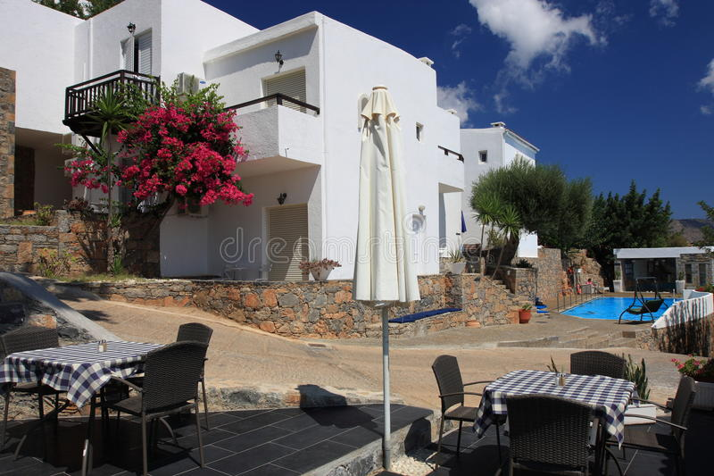 Hotel bonito na Creta imagem de stock royalty free