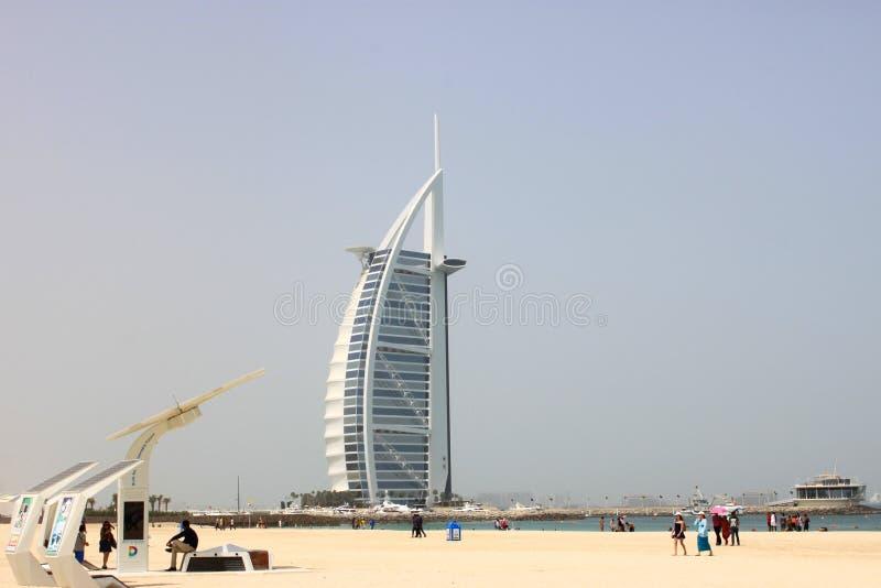 Hotel Burj Al Arab in Sonntag lizenzfreie stockbilder