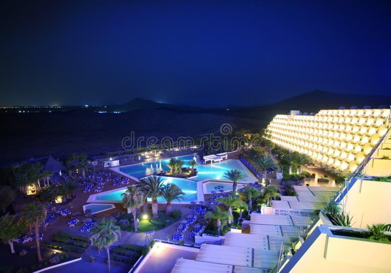 Hotel da noite fotografia de stock royalty free