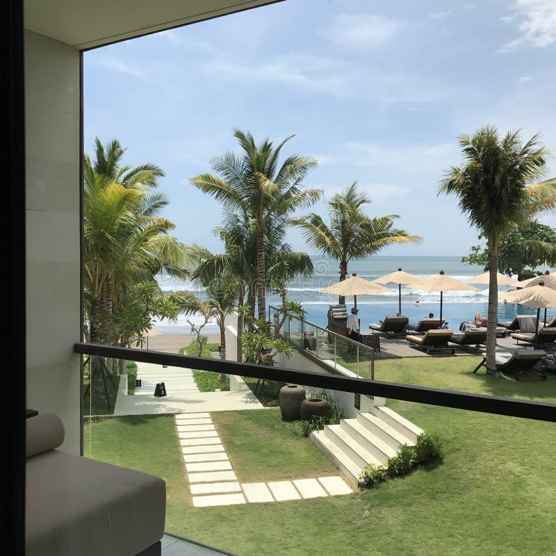 Hotel da opinião da praia foto de stock royalty free