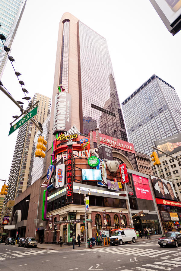 Hotel da plaza da coroa no Times Square imagens de stock