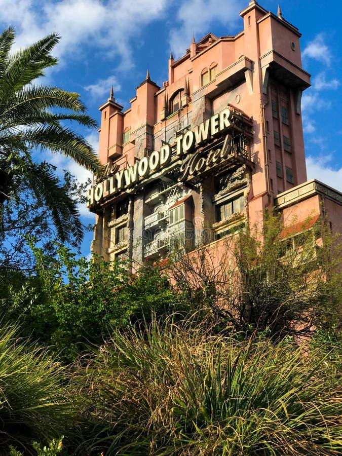 Hotel da torre de Hollywood em estúdios do ` s Hollywood de Disney fotografia de stock