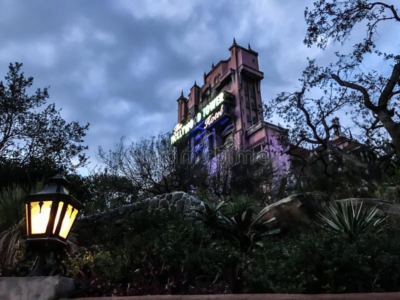 Hotel da torre de Hollywood em estúdios do ` s Hollywood de Disney fotos de stock