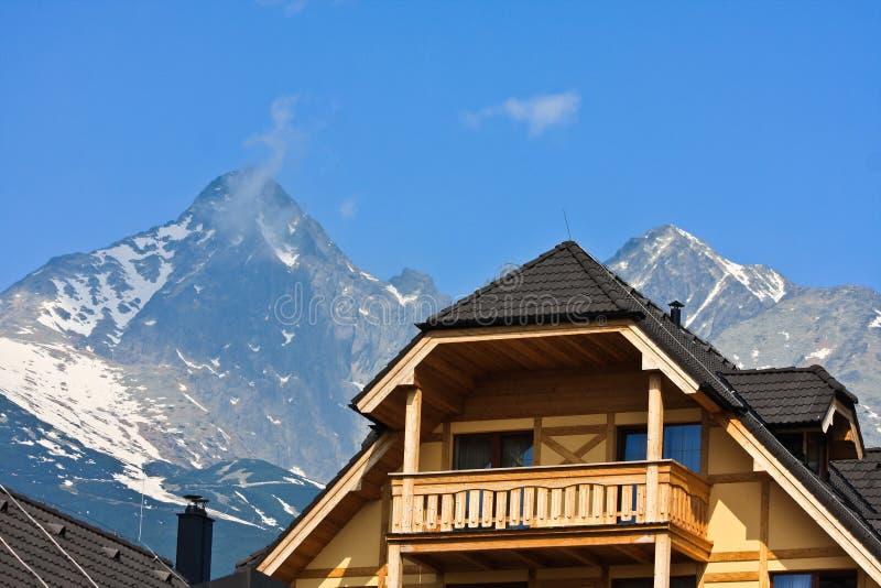 Hotel de la casa de la montaña fotografía de archivo