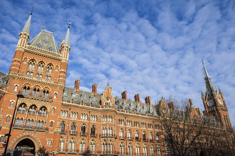 Hotel de Londres do renascimento de St Pancras fotografia de stock