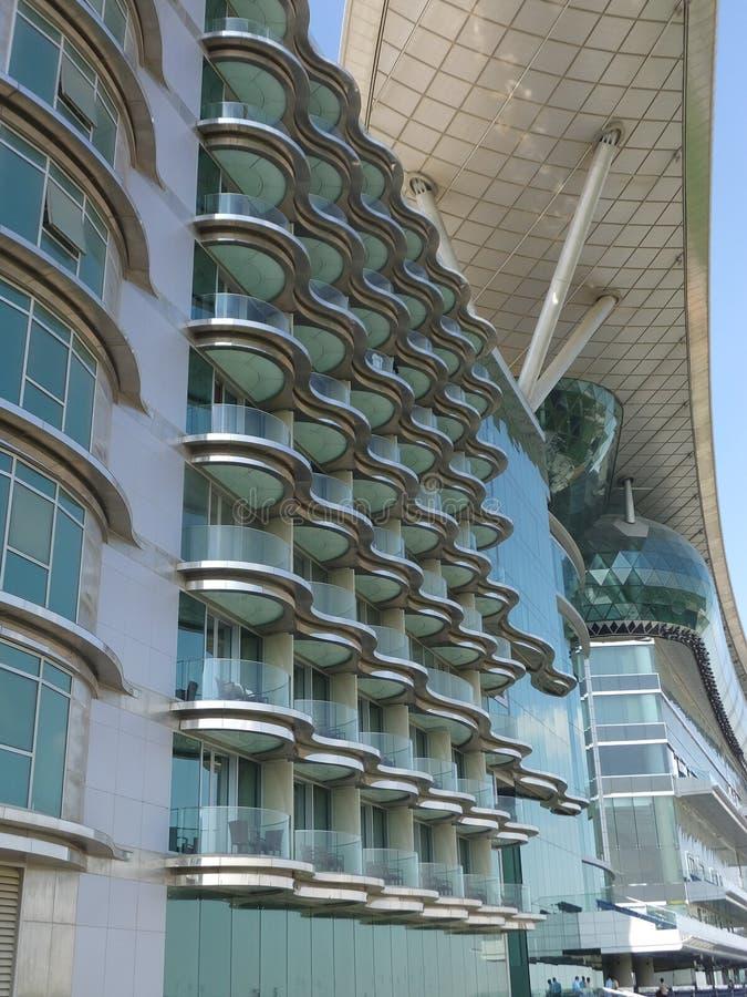 Hotel de Meydan em Dubai, UAE imagens de stock royalty free