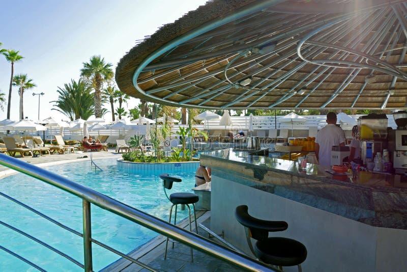 Hotel de oro de la playa de la bahía, Larnaca, CHIPRE fotos de archivo libres de regalías