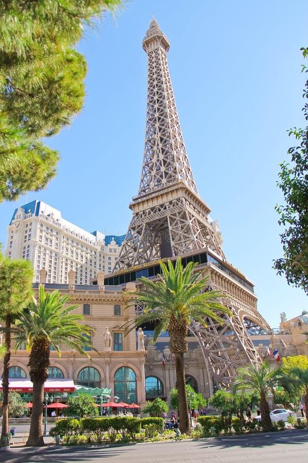 Hotel de París en Las Vegas con una reproducción de la torre Eiffel. imágenes de archivo libres de regalías