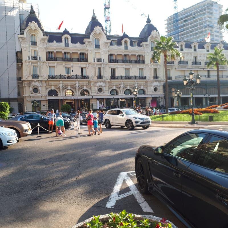 Hotel de Paris, carro, veículo de terra, veículo luxuoso, carro de família foto de stock royalty free