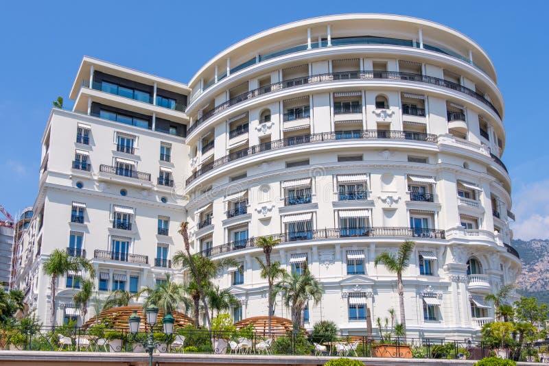Hotel de Paris na luz do dia foto de stock