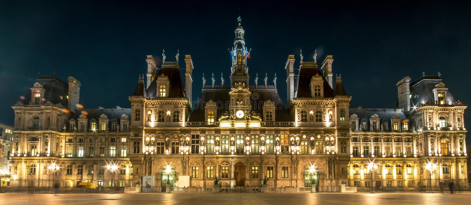 hotel de ville la nuit paris france cityhall image stock image du ville nuit 76285157. Black Bedroom Furniture Sets. Home Design Ideas