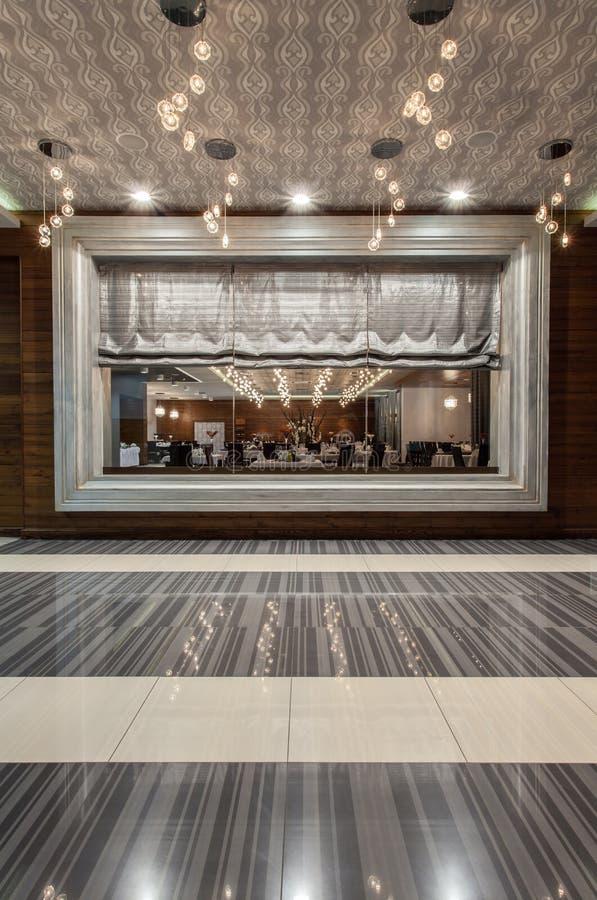 Hotel del terreno boscoso - finestra del ristorante fotografia stock libera da diritti