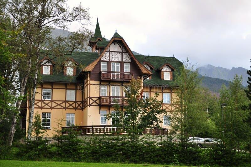 Hotel in den hohen tatras lizenzfreie stockfotos