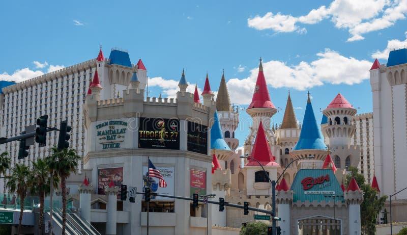 Hotel di Excalibur e casinò, uno di molti hotel che caratterizzano le attrazioni dei bambini nella striscia di Las Vegas immagini stock libere da diritti
