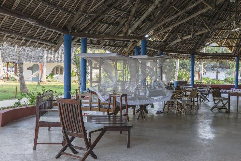 Stunning Soggiorno A Zanzibar Contemporary - Amazing Design Ideas ...